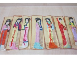 Chinese Lady Wooden Comb